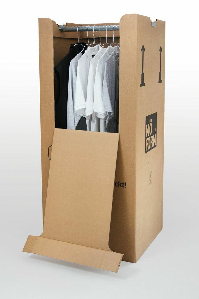 Für den praktischen Transport von Kleidern